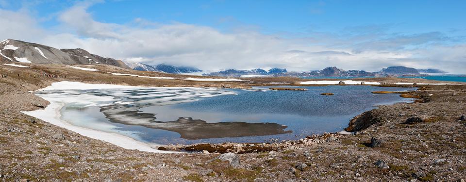 http://www.fotofeeling.com/panorama_bilder/arktis_2011_10000/thumb/Spitzbergen_1S3_1328_1332_10000.jpg